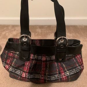 Coach purse shoulder bag gently used like new